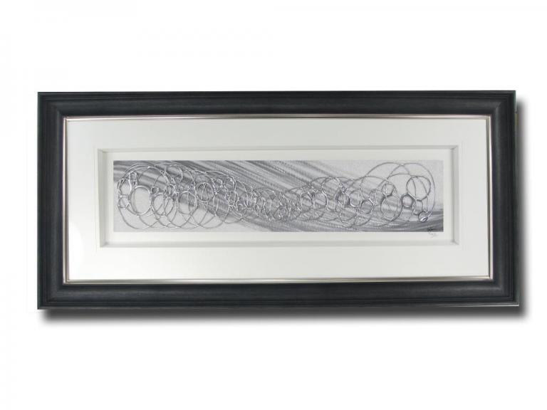 13531 Geo Silver/White O/Sofa 140 x 59cm